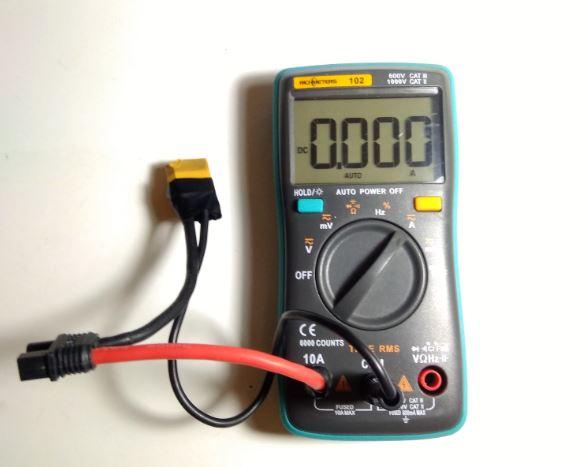 Amperimetro-con-XT60-para-calibrar-Corriente-en-Dron