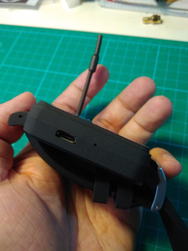 Reloj_FPV_conector_Mini_USB